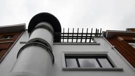Avenue Coghen 28, Uccle, façade premier et deuxième étages, pergola (© ARCHistory/APEB, photo 2020)