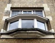 Rue de la Seconde Reine 37, Uccle, fenêtre premier étage (© ARCHistory/APEB, photo 2020)