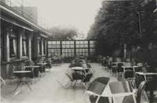 Ancien café-restaurant Au Solarium du Parc, devenu Auberge de la Pergola, avenue des Pagodes 445, Bruxelles Laeken, terrasse, photo de 1955, AVB/TP 51367