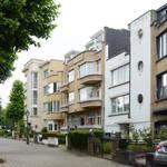 Perspective de l'avenue des Croix du Feu, Bruxelles Laeken. On aperçoit les 309, 305, 303, 301, architecte Louis Tenaerts (© ARCHistory/APEB, photo 2020)